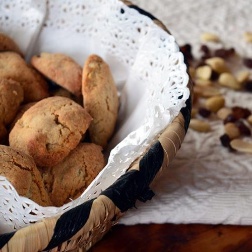 Dolci sardi con mandorle e uvetta: i papassini